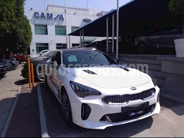 Foto venta Auto usado Kia Stinger GT Line (2018) color Blanco precio $584,500