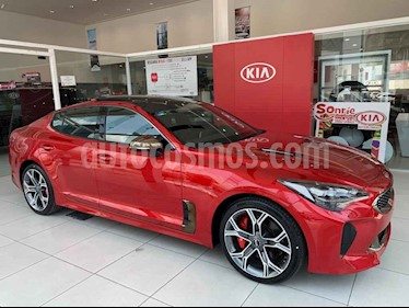 """Kia Stinger 4p GT, 3.3T, Biturbo, TA, camara reversa 8"""", volan usado (2020) color Rojo precio $770,000"""