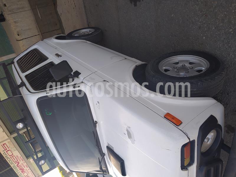 Lada Niva 4x4 L4 1.6 8V usado (2001) color Blanco precio u$s1.200