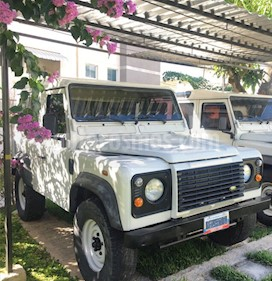 Land Rover Defender 90 Td5 Csw L4,2.5i,8v S 2 2 usado (2005) color Blanco precio BoF27.000
