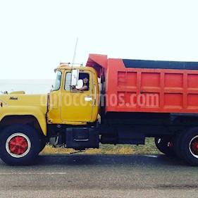 foto Mack RD688 camion de hotoiler usado (1979) color Naranja precio u$s10.000
