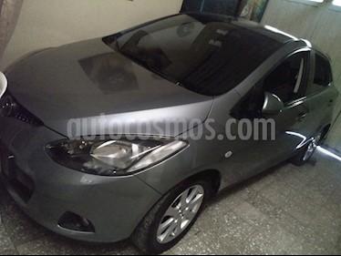 Mazda 2 1.5 5P usado (2008) color Gris precio $22.800.000
