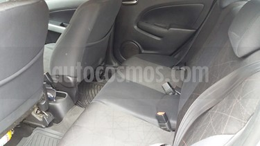 Mazda 2 1.5 5P usado (2012) color Gris precio $28.000.000