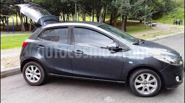 Mazda 2 1.5 5P usado (2013) color Gris precio $26.500.000