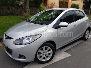 Mazda 2 1.5 5P usado (2010) color Plata precio $24.400.000