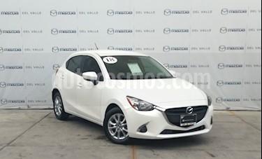 Mazda 2 i Touring Aut usado (2018) color Blanco Perla precio $241,500