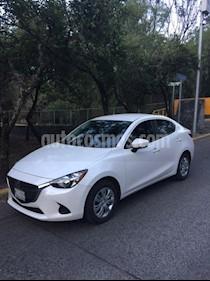 Mazda 2 i Aut usado (2019) color Blanco Perla precio $240,000