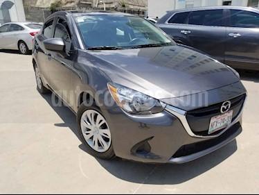 Mazda 2 4p i L4/1.5 Man usado (2019) color Gris precio $210,000
