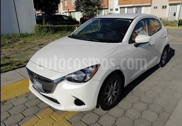 Mazda 2 i Touring Aut usado (2016) color Blanco Perla precio $161,000