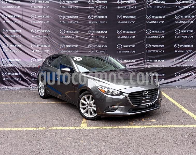 Mazda 3 Hatchback s usado (2018) color Gris Titanio precio $275,000