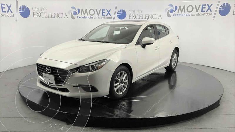 Foto Mazda 3 Hatchback i Touring Aut usado (2018) color Blanco precio $300,000