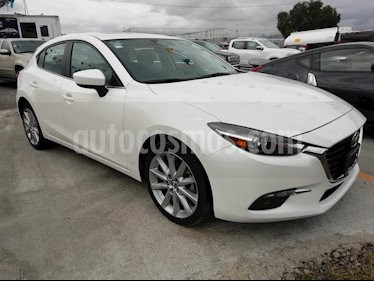 foto Mazda 3 Hatchback s Grand Touring Aut usado (2017) color Blanco Perla precio $275,000