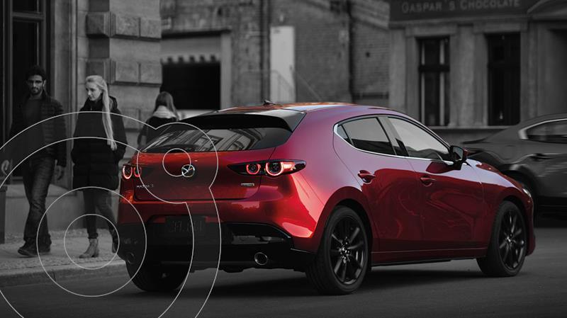 Foto Mazda 3 Hatchback i Grand Touring Aut nuevo color Rojo precio $460,900