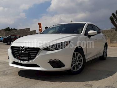 Foto Mazda 3 Hatchback i Touring usado (2015) color Blanco Perla precio $205,000
