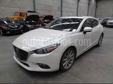 Mazda 3 Hatchback s Aut usado (2017) color Blanco precio $102,000