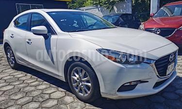 Mazda 3 Hatchback i Touring Aut usado (2017) color Blanco precio $245,000