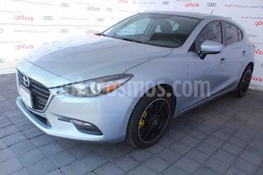 Mazda 3 Hatchback s Aut usado (2017) color Plata precio $245,000