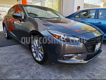 Mazda 3 Hatchback s Grand Touring Aut usado (2018) color Gris Titanio precio $312,000