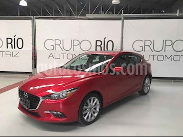 Mazda 3 Hatchback s Grand Touring Aut usado (2018) color Vino Tinto precio $275,000
