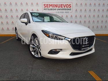 Mazda 3 Hatchback s Grand Touring Aut usado (2018) color Blanco Perla precio $305,000