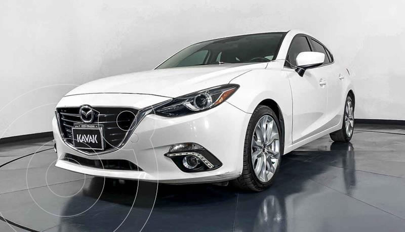 Foto Mazda 3 Hatchback s  usado (2015) color Blanco precio $241,999