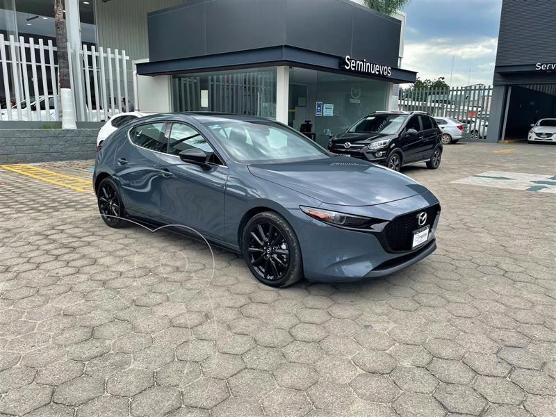 Foto Mazda 3 Hatchback Signature  usado (2021) color Gris Metalico precio $488,000