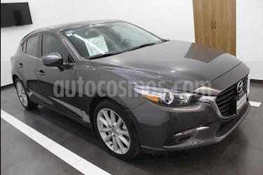 Mazda 3 Hatchback s usado (2018) color Gris precio $310,000