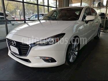Mazda 3 Hatchback s Grand Touring Aut usado (2018) color Blanco Perla precio $302,000