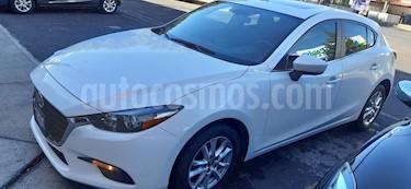 Mazda 3 Hatchback i Touring Aut usado (2018) color Blanco Perla precio $266,000