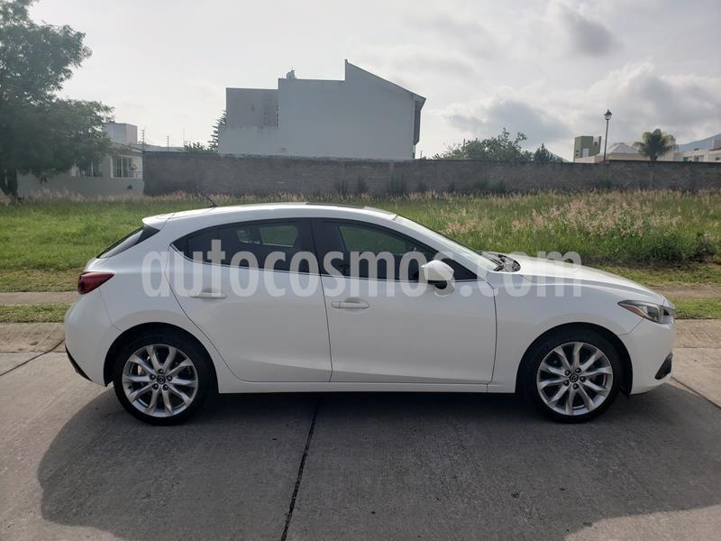 Mazda 3 Hatchback s usado (2016) color Blanco Perla precio $206,000