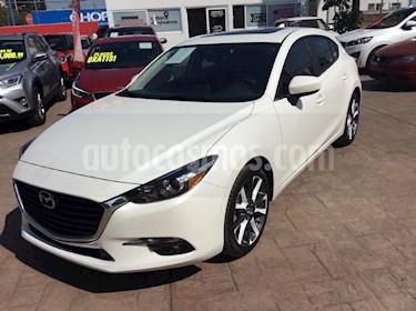 Foto venta Auto Seminuevo Mazda 3 Hatchback s  Aut (2018) color Blanco precio $299,000