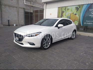 Mazda 3 Hatchback s Grand Touring Aut usado (2018) color Blanco Perla precio $345,000