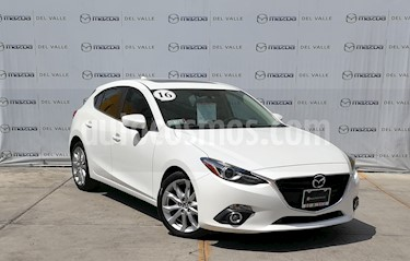 Foto Mazda 3 Hatchback s Grand Touring Aut usado (2016) color Blanco Perla precio $260,000