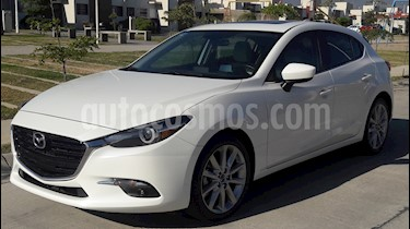 Mazda 3 Hatchback s Grand Touring Aut usado (2017) color Blanco precio $300,000