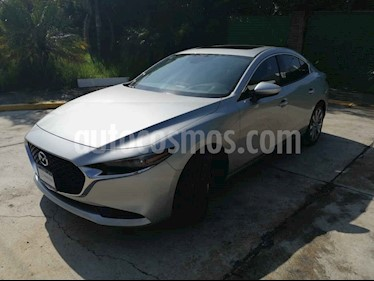 Foto Mazda 3 Sedan i Grand Touring Aut usado (2019) color Plata precio $377,000