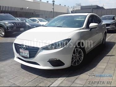 Foto Mazda 3 Sedan i Touring usado (2016) color Blanco Perla precio $205,000