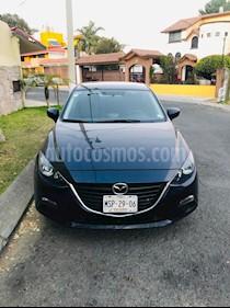 Mazda 3 Sedan i Touring usado (2015) color Azul Acero precio $185,000