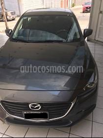 Mazda 3 Sedan i Touring usado (2018) color Gris Titanio precio $285,000