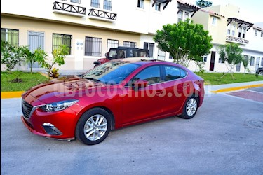 Mazda 3 Sedan i usado (2015) color Rojo precio $195,000