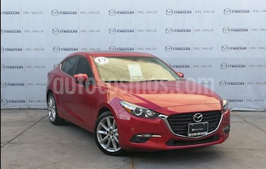 Mazda 3 Sedan s usado (2017) color Rojo precio $250,000