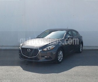 Mazda 3 Sedan s Aut usado (2017) color Gris precio $224,000