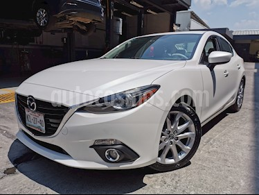 Mazda 3 Sedan s Grand Touring Aut usado (2016) color Blanco Perla precio $240,000