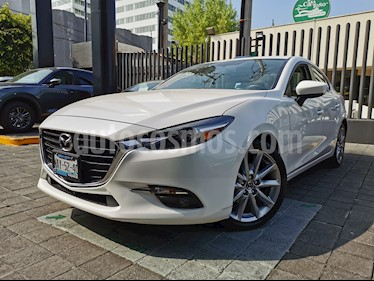 Mazda 3 Sedan s Grand Touring Aut usado (2017) color Blanco Perla precio $260,000