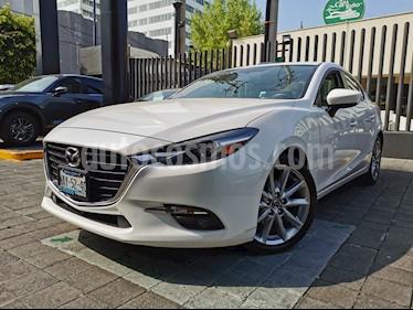 Mazda 3 Sedan s Grand Touring Aut usado (2017) color Blanco Perla precio $250,000