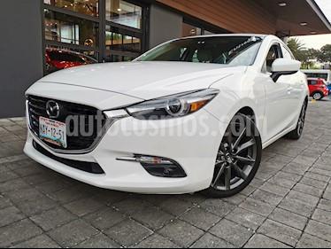 Mazda 3 Sedan s Grand Touring Aut usado (2017) color Blanco Perla precio $275,000