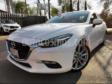 Mazda 3 Sedan s Grand Touring Aut usado (2018) color Blanco Perla precio $305,000