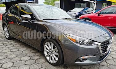 Foto venta Auto usado Mazda 3 Sedan s Aut (2017) color Gris Titanio precio $260,000