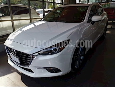 Foto Mazda 3 Sedan s Grand Touring Aut usado (2017) color Blanco Perla precio $259,000