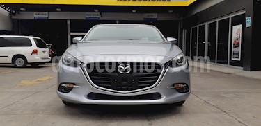 Foto Mazda 3 Sedan s Grand Touring Aut usado (2018) color Plata Sonic precio $339,900