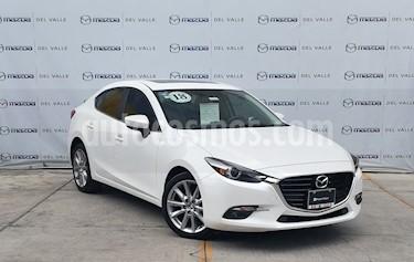 Foto venta Auto usado Mazda 3 Sedan s Grand Touring Aut (2018) color Blanco Perla precio $330,000
